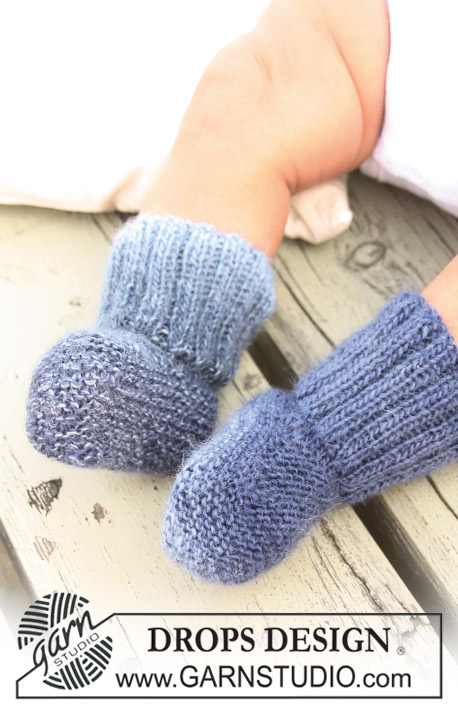 Baby Blue Socks / DROPS Baby 20-6 - Knitted DROPS socks in