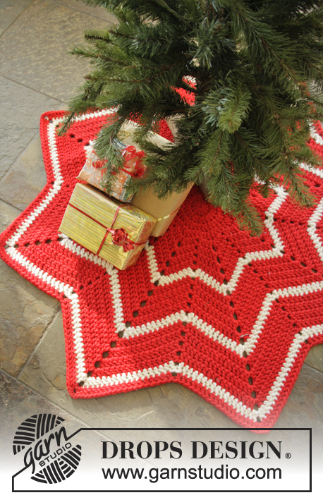Crochet Under The Chrismas Tree Tapis De Sapin Le Monde