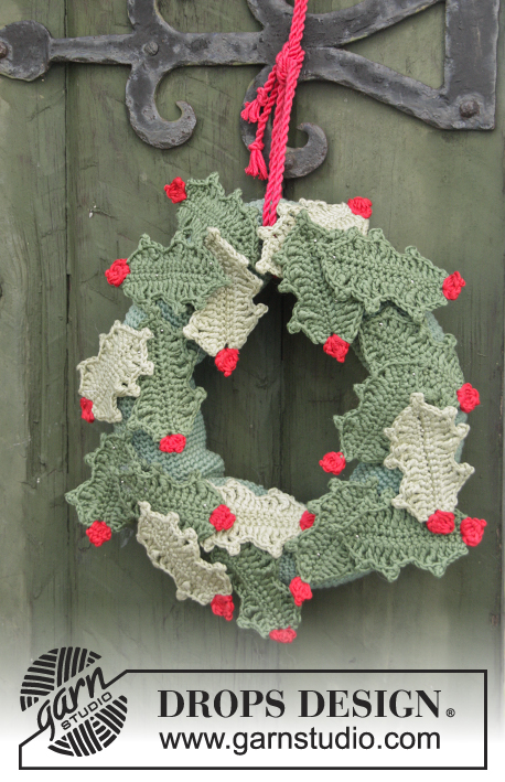 "Open for Christmas! / DROPS Extra 0-1058 - DROPS Christmas: Crochet DROPS holly wreath with berries in ""Muskat""."