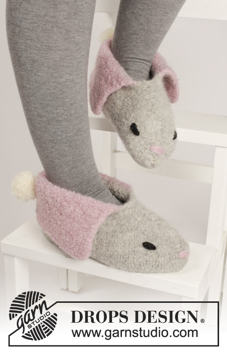Bunny Hop / DROPS Extra 0-1100 - DROPS Easter: Knitted and felted DROPS bunny slippers in Eskimo. Size 35 - 44