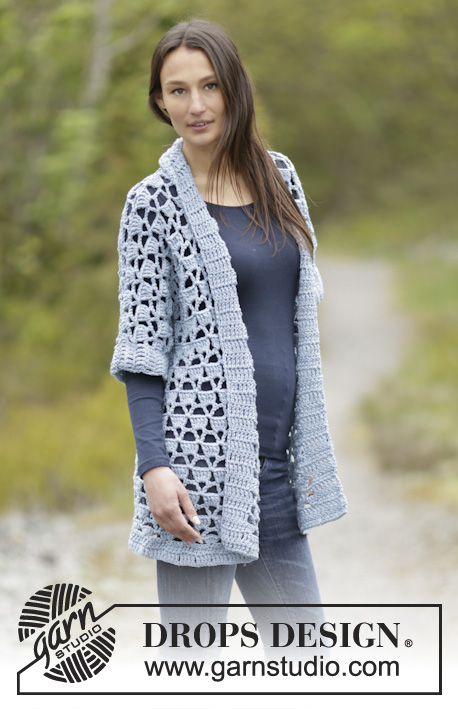 "Bon Soir / DROPS Extra 0-1153 - Crochet DROPS jacket with lace pattern and shawl collar in ""Big Merino"". Size: S - XXXL."