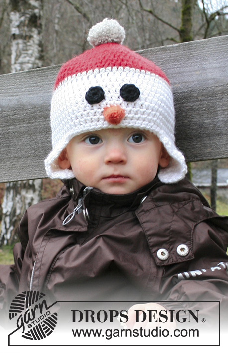 "Carrot Nose / DROPS Extra 0-1196 - DROPS Christmas: Crochet DROPS snowman hat with ear flaps in ""Nepal""."