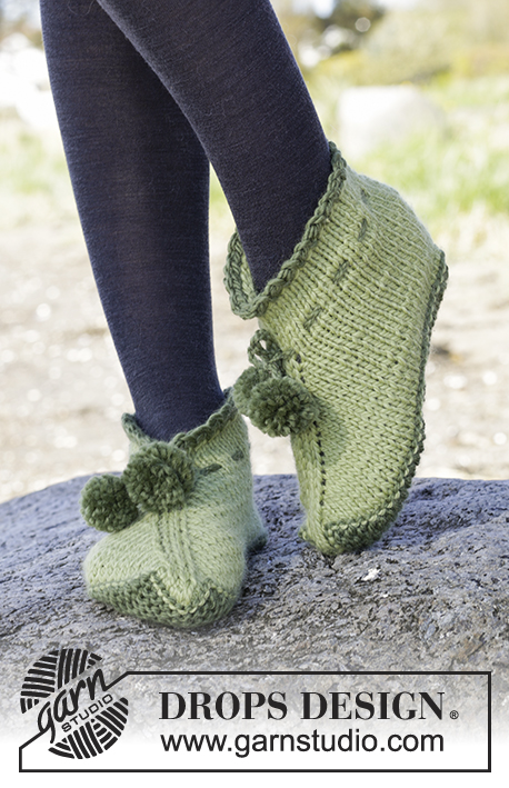 "Forest Elf / DROPS Extra 0-1218 - Knitted DROPS slippers with ties and pompoms in ""Andes""."