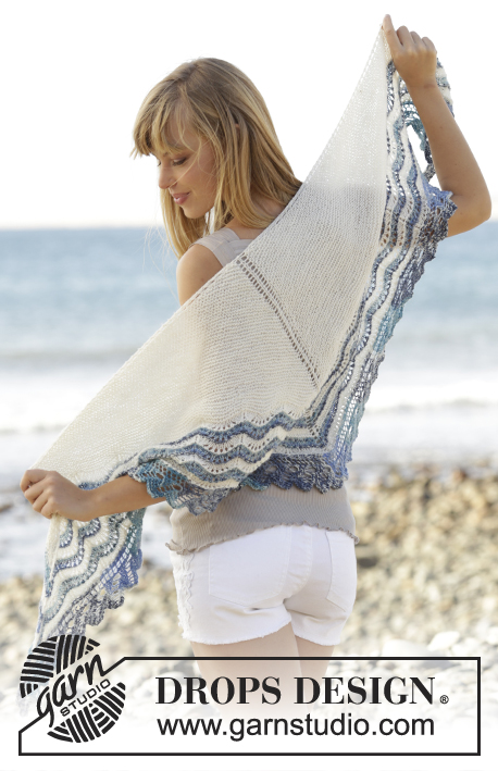 "Acqua di Mare / DROPS Extra 0-1241 - Knitted DROPS shawl in garter st with wave pattern and lace edge in ""Fabel"" or Flora."