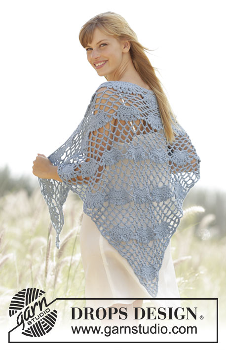 "West Wittering / DROPS Extra 0-1291 - Crochet DROPS shawl with fan pattern in ""Paris""."