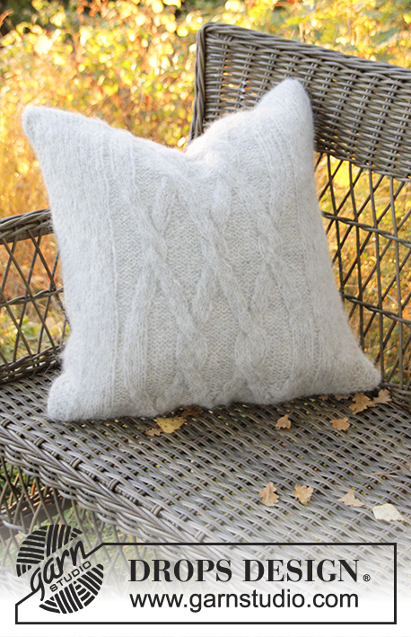 Diamond Bliss Pillow / DROPS Extra 0-1313 - Strikket DROPS putetrekk i Air med fletter.