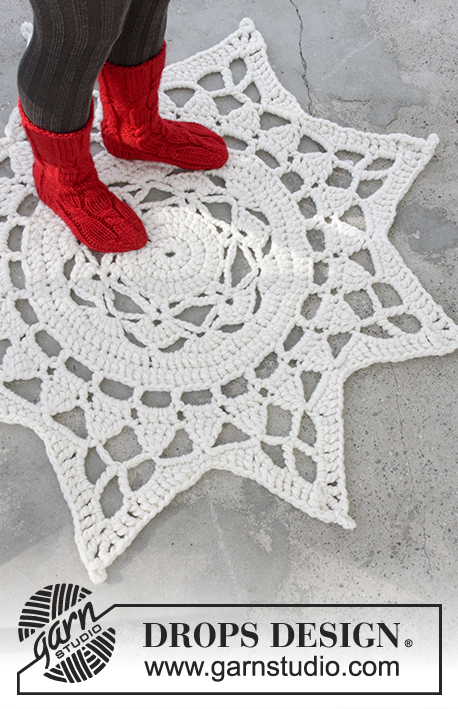 Antares / DROPS Extra 0-1327 - Crochet carpet for Christmas in 3 strands DROPS Eskimo.