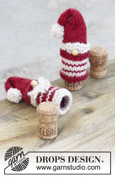 Season's Treats / DROPS Extra 0-1347 - Knitted Santa and Christmas tree bottle cap covers, in garter and stocking stitch. Piece is worked in DROPS Nepal. Theme: Christmas