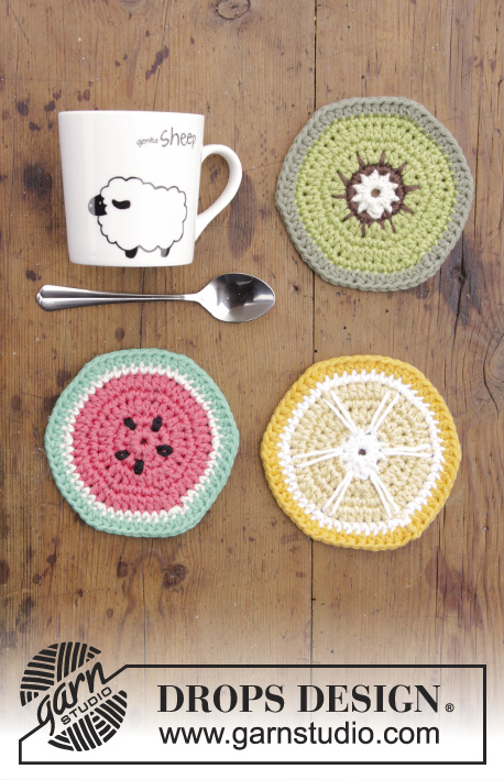 Breakfast Slices / DROPS Extra 0-1385 - Crocheted coasters with lemon, watermelon and kiwi.