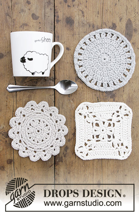 Bright Side Coasters / DROPS Extra 0-1403 - Heklede glassbrikker til Jul. Arbeidet er heklet i DROPS Cotton Light