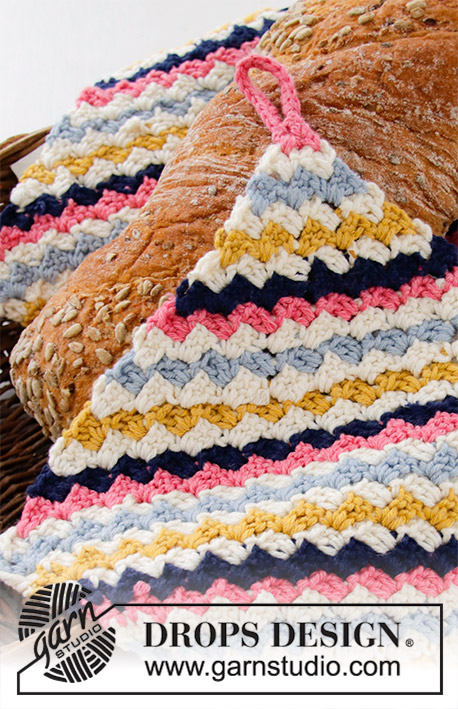 Spring Beads / DROPS Extra 0-1423 - Crocheted potholder in DROPS Cotton Merino. Stripes, worked from corner to corner. Theme: Easter.