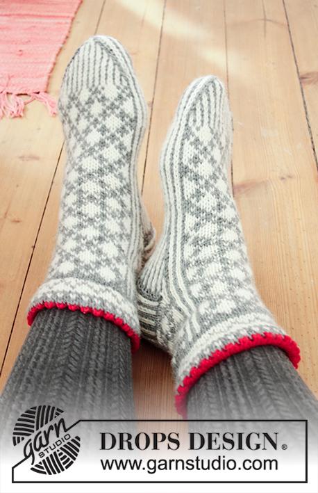 274c28414f7 Tip Toe Santa / DROPS Extra 0-1433 - Gratis strikkeopskrifter fra ...