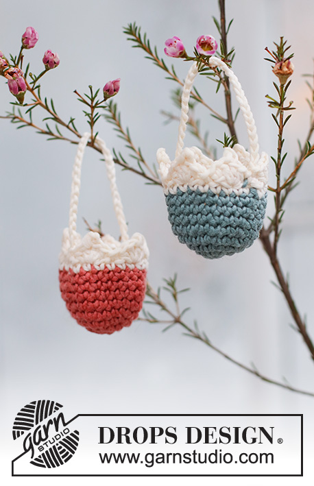 Easter Surprise / DROPS Extra 0-1539 - Crocheted basket in DROPS Muskat. Theme: Easter