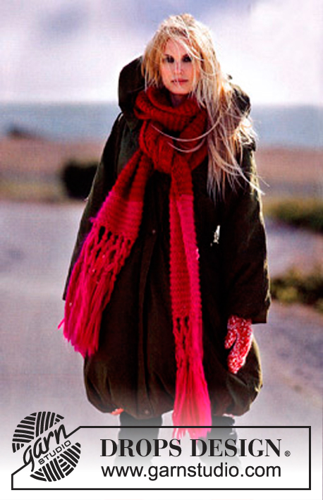 "DROPS Extra 0-455 - DROPS Knitted scarf in ""Eskimo""."