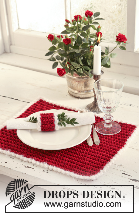 "Jolly Morning / DROPS Extra 0-525 - Crochet DROPS place mat and serviette ring for your Christmas lunch in ""Cotton Viscose"" and ""Symphony""."