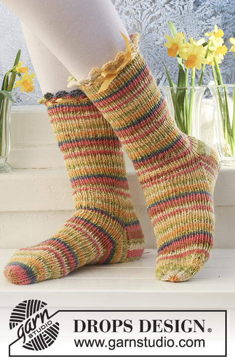Chick To Chick Drops Extra 0 552 Free Knitting Patterns By Drops