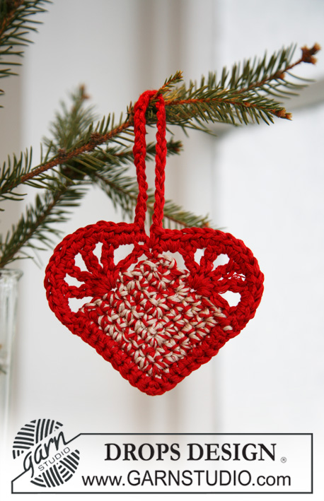 DROPS Extra 0-571 - Crochet DROPS Christmas heart in Cotton Viscose.