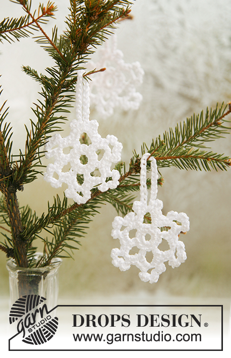 Snow Blossoms / DROPS Extra 0-585 - DROPS snøstjerner til jul i Cotton Viscose.