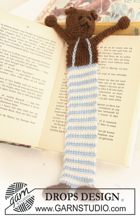 "DROPS Extra 0-685 - Crochet DROPS book mark with teddy in ""Alpaca""."
