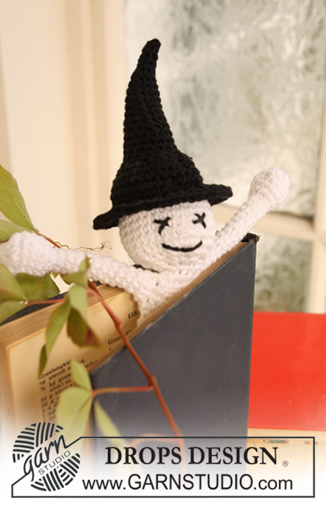"Scary Tales / DROPS Extra 0-703 - Crochet DROPS book mark with ghost for Halloween in ""Safran""."