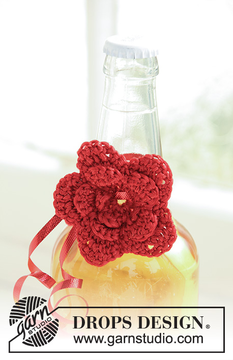 Holiday Sparkle / DROPS Extra 0-742 - Crochet DROPS Christmas flowers in Cotton Viscose and Glitter