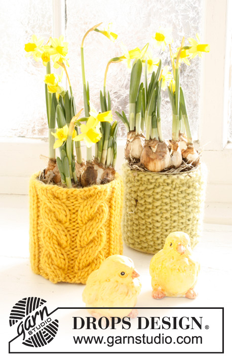 "DROPS Extra 0-771 - Knitted DROPS flowerpot Easter decoration with cable pattern or seed st in ""Eskimo""."