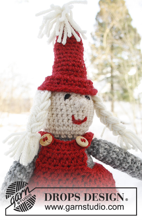 Mrs. Claus / DROPS Extra 0-788 - Crochet DROPS Santa lady in Nepal.