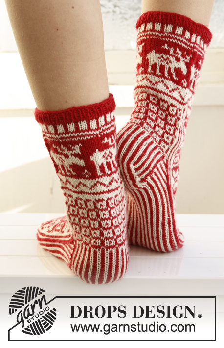 Christmas Fable / DROPS Extra 0-789 - Knitted DROPS Christmas socks with pattern in Fabel. Size 35-43