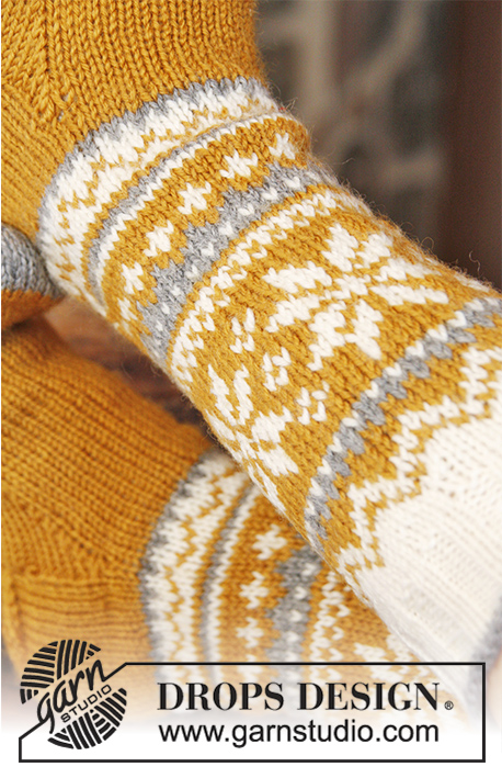 "Chicken Legs / DROPS Extra 0-910 - DROPS Easter: Knitted DROPS socks with Norwegian pattern in ""Karisma""."