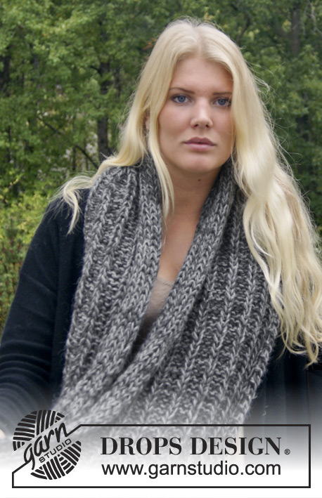 DROPS Extra 0-965 - Knitted DROPS neck warmer in DROPS ♥ YOU #4 or Nepal.