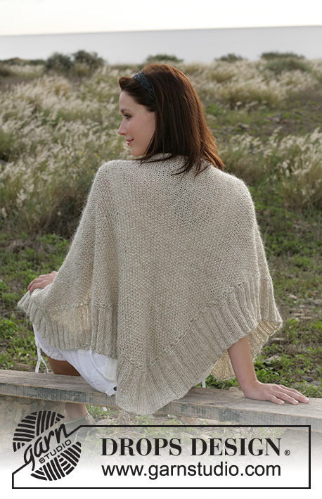 "Upstate / DROPS 100-4 - DROPS Shawl knitted in seed stitches with ""Vivaldi"" and ""Cotton Viscose""."