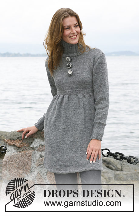 "Marimar / DROPS 104-7 - DROPS tunic with pleats and closed front edge in 2 threads ""Alpaca"". Sizes: S - XXXL"
