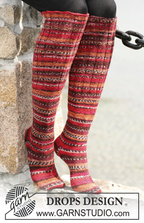 "DROPS 104-9 - Long DROPS socks in ""Fabel"" with Rib and stocking sts"