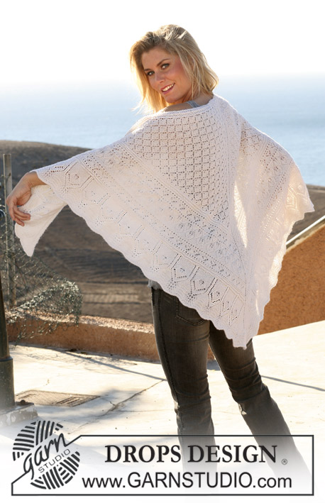 "A Secret / DROPS 105-3 - DROPS knitted shawl in ""Alpaca"" with various lace patterns."