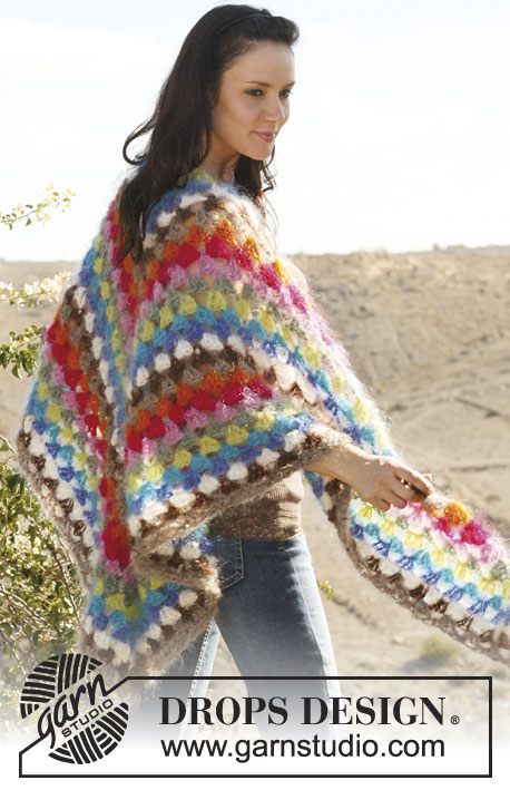 "Fiesta / DROPS 106-39 - DROPS crochet shawl with stripes in ""Vienna""."