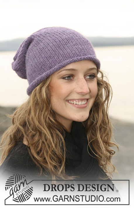 "DROPS 108-17 - DROPS hat in stocking st in 2 threads ""Alpaca""."