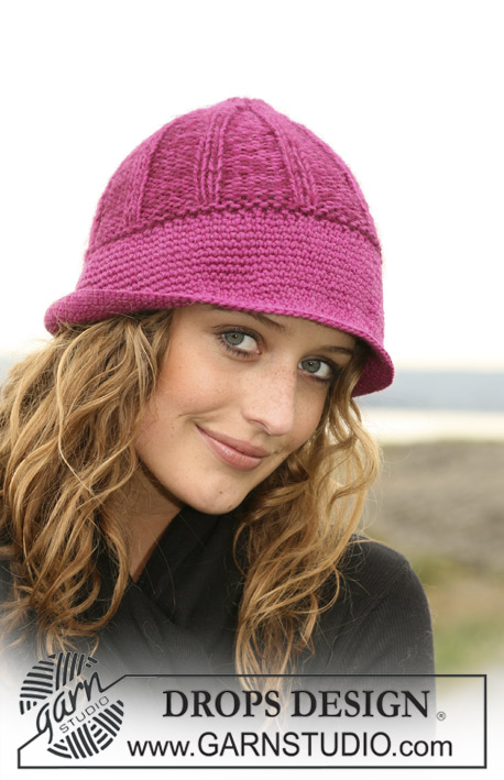 "Elementary / DROPS 109-11 - Knitted DROPS hat in ""Karisma Superwash"" with wide crochet bottom edge."