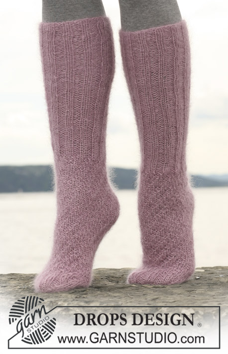 Knitting Tube Socks Free Pattern : DROPS 109-30 - Free knitting patterns by DROPS Design