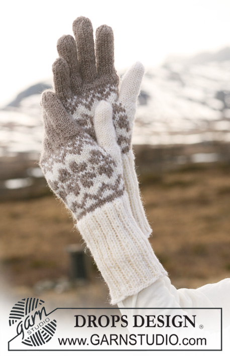 "DROPS 116-46 - DROPS gloves in ""Karisma"" with Norwegian pattern."