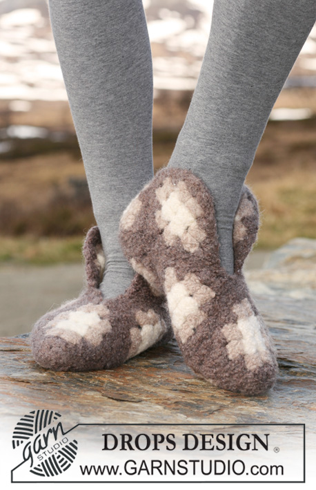 """DROPS 117-32 - Felted and crochet DROPS slippers made up of squares in """"Eskimo""""."""