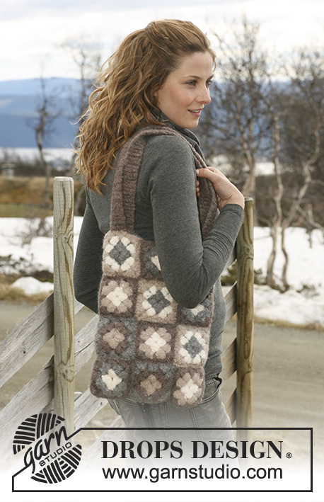 "Day Off / DROPS 117-6 - Crochet and felted DROPS bag in ""Eskimo"" with square flower pattern."