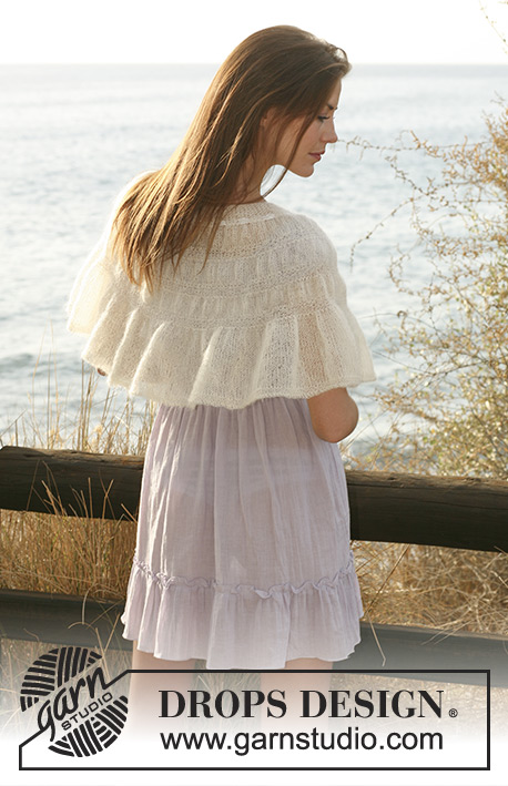 "Fairy's Shrug / DROPS 119-17 - Short DROPS cape in ""Kid-Silk"" with shirred pattern. Size S -XXXL."