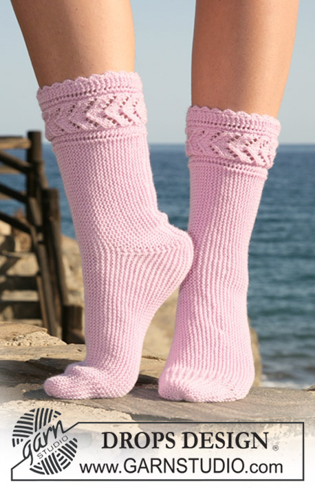 "Lucy / DROPS 119-33 - DROPS sock knitted from side to side in ""BabyMerino"". Size 35-42."