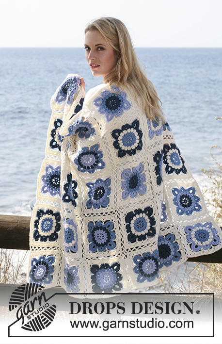 "Seaside Blues / DROPS 120-3 - DROPS blanket crochet in squares in ""Karisma""."