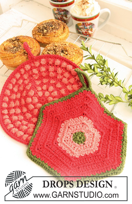 "DROPS 120-52 - Crochet DROPS pot holders, 1 round with bobbles and 1 hexagon pot holder, in ""Paris""."