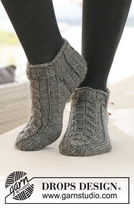Free Knitting Pattern For Kilt Socks : DROPS 125-15 - Kostenlose Strickanleitungen von DROPS Design