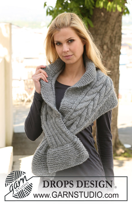 "DROPS 125-19 - DROPS scarf with cables in ""Eskimo""."