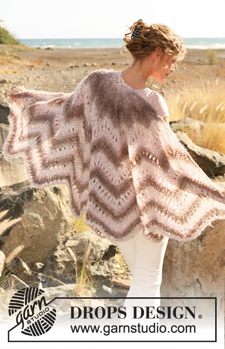 "Scheherazade / DROPS 130-1 - Knitted DROPS shawl with lace and zigzag pattern in ""Verdi""."