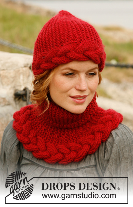 "Rosebud / DROPS 131-47 - Knitted DROPS hat and neck warmer in garter st with cable in ""Snow""."