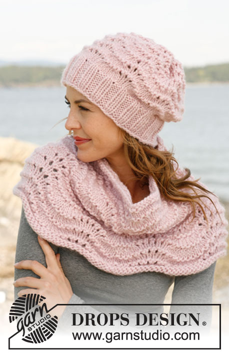"Ariel / DROPS 134-12 - Set consists of: Knitted DROPS hat and neck warmer with wave pattern in ""Eskimo"" or Andes."